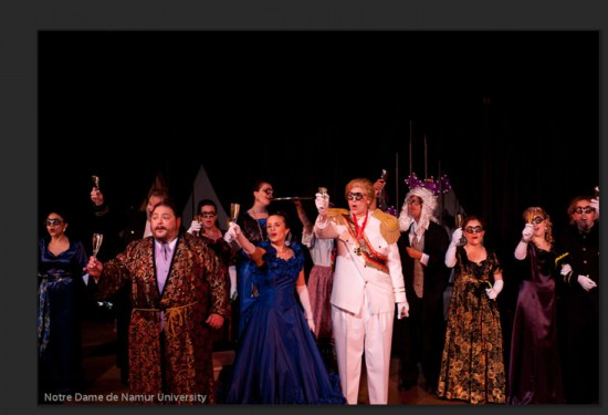 1. Fledermaus finale, complete with champagne