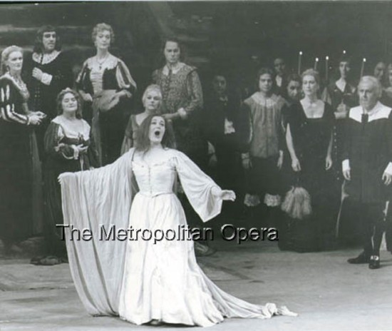 Joan Sutherland as Lucia in 1961; photo by Louis Melancon/Metropolitan Opera