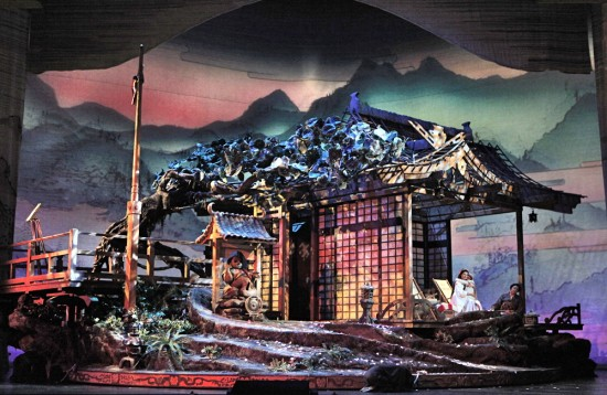 Madama Butterfly set - SFOpera