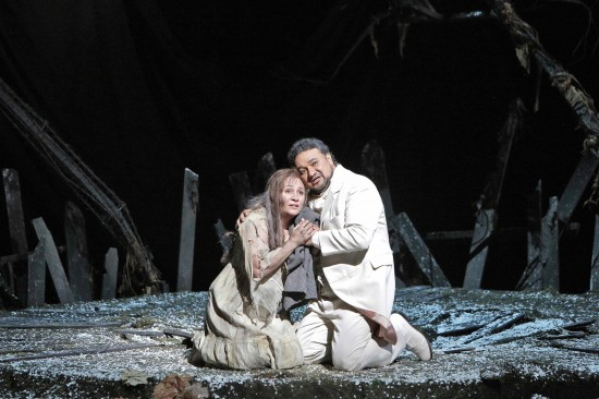 Act III: Prison; Margherita (Patricia Racette) is temporarily comforted by Faust; video clip