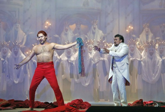 Epilogue: Faust cringes away from Mefistofele's offer of his magic cloak