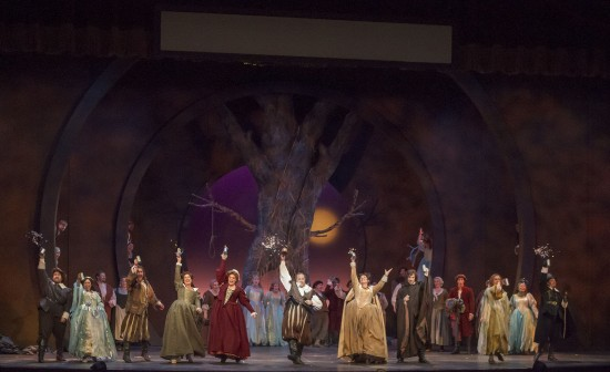 Act III Finale: James Callon as Fenton, Cecilia Violetta López as Nannetta, Lisa Chavez as Meg Page, Nicole Birkland as Dame Quickly, Steve Howe as the Innkeeper (supernumerary), Jennifer Forni as Alice Ford, Zachary Altman as Ford, Jonathan Smucker as Bardolfo, Silas Elash as Pistola, Robert Norman as Dr. Caius