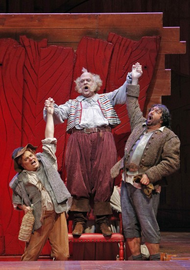 Bardolfo (Greg Fedderly), Falstaff, and Pistola (Andrea Silvestrelli)