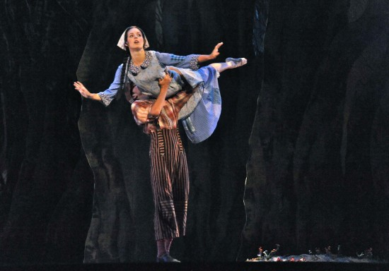Dancers Hannah Vaughan and Gabriel Mata; photo by Pat Kirk
